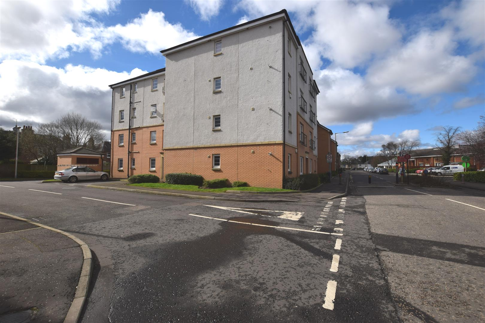 30, Florence Court, Perth, PH1 5BL, UK